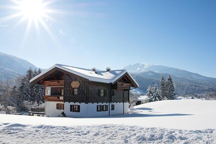 Ferienwohnungen Döllerer Reit im Winkl, Haus in Winterlandschaft 2