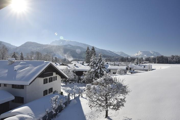 Ferienwohnungen Döllerer Reit im Winkl, Blick vom Balkon im Winter
